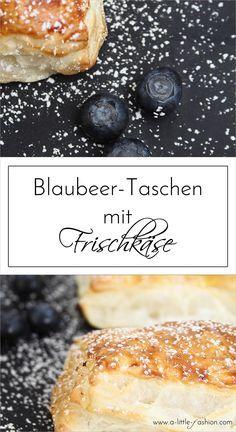 Schnelle Blaubeer-Blätterteigtaschen mit Frischkäse  |  A Little Fashion  |  http://www.a-little-fashion.com/food/blaubeer-blaetterteigtaschen-frischkase-zitrone