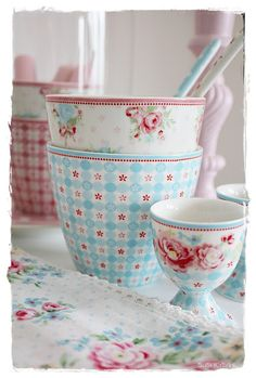 Monday 20 January 2014 DIY New greengate placemats . Shabby Cottage, Cottage Chic, Cottage Style, Pip Studio, Shabby Chic Kitchen, Kitchen Items, Kitchen Ware, Cath Kidston, My Tea