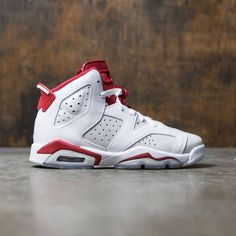 Jordan Big Kids Air Jordan 6 Retro (GS) (white / gym red-pure platinum)