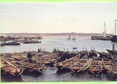 明治中期、イギリス波止場(現在の大桟橋入口付近)〔彩色写真・日下部金兵衛〕