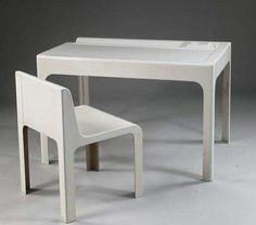 Ozoo 600 desk and chair - Marc Berthier, 1967 - midcentury kids design