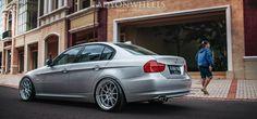 Abdee Faishal n BMW E90 turvallisuusalan SP3 - Indonesialainen viritys ja hellaflush mistä ladyonwheels kattavuus | lady | Käytössä | Pyörät - Indonesialainen Stance & Hellaflush Auton valokuvaus
