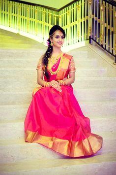 Simple and elegant south Indian bride. South Indian Bride, Indian Bridal, Kerala Bride, Beautiful Gowns, Beautiful Bride, Wedding Silk Saree, Bridal Sarees, Telugu Brides, Hindu Bride