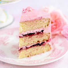 Fluffiest vanilla layer cake with dreamy blackberry buttercream – perfect for birthdays and celebrations. Oreo Dessert, Mini Cakes, Cupcake Cakes, Poke Cakes, Layer Cakes, Cupcakes, No Bake Desserts, Dessert Recipes, French Desserts