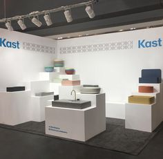 Kast Concrete Basins stand display at ICFF New York 2018 Showroom Interior Design, Showroom Ideas, Tile Showroom, Interior Walls, Exhibition Display Stands, Exhibition Booth Design, Basin Sink, Sinks, Bathroom Showrooms