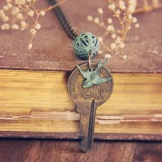 I have lots of old keys but none are the super sought-after skeleton keys. This is a good project and combines my love of books/reading with keys.