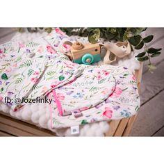 Látka teplákovina malovaná louka | takoy.cz Textiles, Diaper Bag, Folk, Bags, Handbags, Popular, Dime Bags, Mothers Bag, Fork