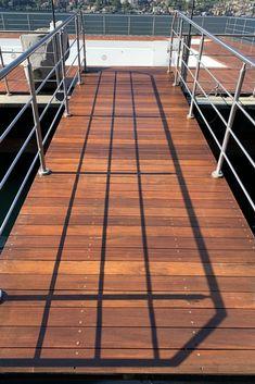 Ci siamo occupati anche della manutenzione straordianaria della piscina galleggiante del Mandarin Oriental. Il decking è stato prima lavato a fondo e poi trattato ad olio. Mandarin Oriental, Deck, Stairs, Outdoor Decor, Home Decor, Stairway, Decoration Home, Room Decor, Front Porches