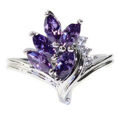 Purple Flower Ring - Beautiful Promise Rings #PromiseRing #FlowerRing #PurpleFlowerRing