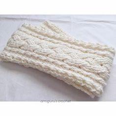試作:かぎ針アラン模様マフラー #かぎ針アラン模様 #アラン模様 #かぎ針アラン #wool #crochet #crochetter #crochetlove #crochetscarf #crochetaddict #かぎ針編み #뜨개질 #목도리 #crochetshawl #stole #머플러 #マフラー #アラン模様マフラー Fingerless Gloves, Arm Warmers, Fingerless Mitts, Fingerless Mittens