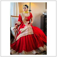 Meet Pashmina - Our Effortless & Elegant Bride In Sabyasachi's 2020 Collection Indian Bridal Outfits, Indian Wedding Fashion, Indian Bridal Lehenga, Indian Bridal Wear, Indian Designer Outfits, Red Lehenga, Half Saree Designs, Lehenga Designs, Bridal Lehenga Collection