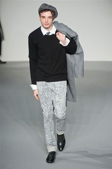 img.mensclub.jp var mensclubjp storage images catwalk fw2013 male paris agnesb runway 02 270468-1-jpn-JP 02_catwalk_list_large.jpg