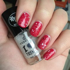 Essence I ❤️ Trends - Have A Very Pink X-Mas! (14) & Essence I ❤️ Trends - Snowflakes Are Kisses Sent From Heaven (01)