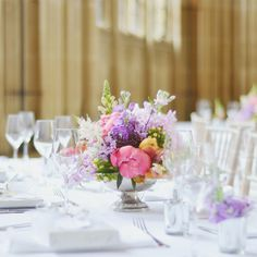 The Bespoke Florist, Wedding Flowers in Oxfordshire http://directory.confetti.co.uk/supplier/1720/the-bespoke-florist/