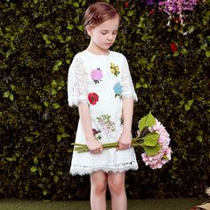 Aliexpress.com: Compre Meninas vestidos de verão 2016 marca traje da princesa meninas vestido de renda Robe Fille Enfant bordado vestido da menina flor roupa dos miúdos de confiança vestido de emma fornecedores em Europe & USA Kids Clothing from Shanghai(Top Designer Clothes)