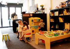 Playful Grounds has only been open a few days, but the kid-friendly College Street café is already garnering plenty of attention from the neighbourhood. Kids Play Spaces, Kids Play Area, Corner Restaurant, Café Design, Deco Cafe, Baby Play Areas, Kid Friendly Restaurants, Coffee Shop Design, Living Room On A Budget