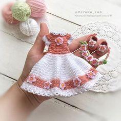 Best 12 Handicraft and Cute Amigurumi Doll Pattern Ideas Part amigurumi doll patterns; Crochet Doll Dress, Crochet Barbie Clothes, Baby Doll Clothes, Crochet Doll Pattern, Crochet Patterns, Amigurumi Patterns, Barbie Patterns, Doll Clothes Patterns, Cute Crochet