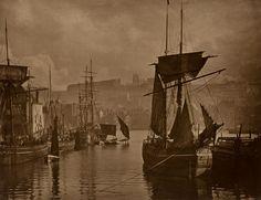1880-89. Вид гавани в Уитби