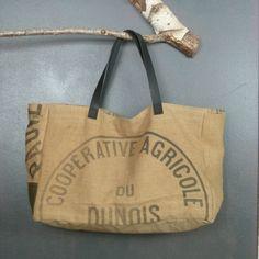 Très grand cabas en toile de jute ancienne recyclée (sac à grains) sac de plage ou panier pièce unique artisanale fabriquée en France de la boutique MADEinPERCHE sur Etsy