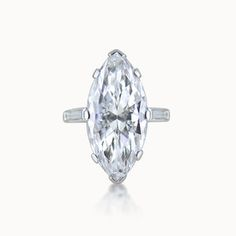 MARQUISE-CUT DIAMOND RING