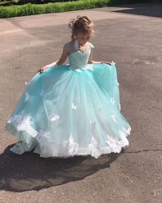 Best 12 Queen Elsa Frozen inspired tutu dress by Aidascreativecorner – SkillOfKing. Princess Flower Girl Dresses, Princess Dress Kids, Wedding Flower Girl Dresses, Girls Party Dress, Little Girl Dresses, Flower Dresses, Baby Dress, Girls Dresses, Dresses For Kids