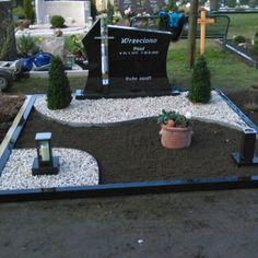 result for grave design with plates doppelgrab Outdoor Landscaping, Outdoor Gardens, Outdoor Decor, Caravan Decor, Grave Decorations, Cemetery Headstones, Diy Projects For Beginners, Backyard Garden Design, Best Chicken Coop