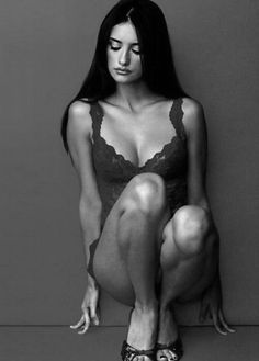 Penelope Cruz. Body, hair, bone structure. She is so stunning I can't even take it all in!