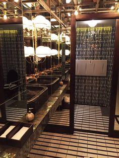 #Chinchin, restaurante diseñado por Lazaro Rosa Violan en el que nuestros #azulejos artesanos forman parte del proyecto.