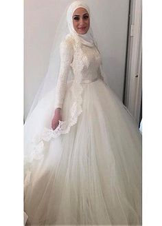 Fabulous Tulle Natural Waistline Ball Gown Arabic Islamic Wedding Dresses With Lace Appliques