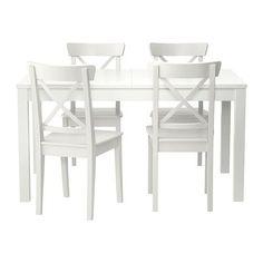 IKEA - BJURSTA / INGOLF, Mesa con 4 sillas, Mesa de comedor con 2 tableros de extensión. Con espacio para 4-8 comensales. Permite adaptar el tamaño de la mesa a tus necesidades.Los tableros de extensión se pueden guardar debajo para tenerlos a mano cuando los necesites.El mecanismo de cierre oculto mantiene el tablero de extensión en su sitio y evita que queden huecos entre los tableros.Gracias a que está tratada con un barniz incoloro, la superficie es fácil de limpiar.
