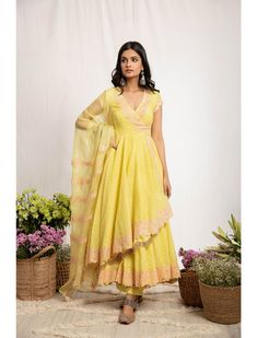 Yellow Saree, White Saree, Long Anarkali Gown, Indian Fashion Designers, Indian Attire, Clothing Websites, Dress Cuts, Bridal Outfits, Indian Dresses