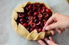 Tarta cu cirese - Mihaela Toader Pie, Desserts, Food, Design, Torte, Tailgate Desserts, Cake, Deserts, Fruit Pie