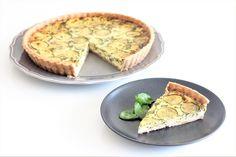 cibetka: Celozrnný quiche s cuketou, špenátem a parmezánem Quiche, Pie, Food, Torte, Cake, Fruit Cakes, Essen, Quiches, Pies