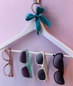clothes hanger for sunnies...cute : )