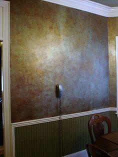 metallic paint technique Playground Flooring, Diy Playground, Faux Painting, Painting Walls, Interior Painting, Wall Colors, Paint Colors, Gold Walls, Paint Furniture