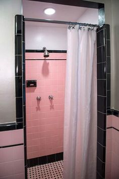 Robert's pink and black bathroom makeover - Retro Renovation - Home Decor: Bath - vintage-black-white-and-pink-shower-retro. I am thinking turquoise or mint would be amazing! Decor Inspiration, Bathroom Inspiration, Pink Bathtub, Bathroom Pink, Bathroom Vanities, 1950s Bathroom, Modern Bathroom, Color Magenta, Vintage Tile