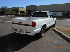 Chevy S10 pick-up - $3500