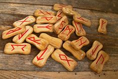 The Runes are a way to connect with spirits, to do magic and to cure certain diseases. They can be randomly drawn like the tarot cards, as a method of divination. Les Runes, Norse Runes, Elder Futhark Runes, Viking Runes, Icelandic Runes, Runes Meaning, Runic Alphabet, On Thin Ice, Amor