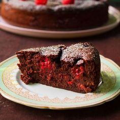 Chocolate Raspberry Pudding Cake by Nigella Lawson; Cake Recipes Chocolate Raspberry Pudding Cake by Nigella Lawson; Food Cakes, Baking Cakes, Baking Recipes, Dessert Recipes, Pudding Desserts, Kolaci I Torte, Bon Dessert, Gateaux Cake, Cookies Et Biscuits