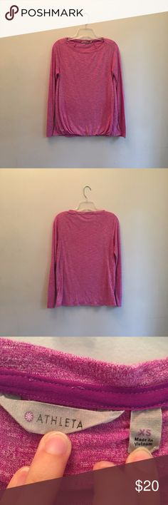 Athleta Purple Heather Suri Bubble Long Sleeve This long sleeve is nice and soft and perfect for a run, yoga, or just hanging out! It has a gathered bottom as seen in the last photo. Great condition.  ⭐️Same or next day shipping ⭐️I love offers! ❤ ⭐️15% off a bundle of 3+ items ⭐️Additional pictures or measurements upon request Athleta Tops Tees - Long Sleeve