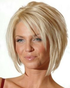21 Easy Hairdos for Short Hair - PoPular HaircutsSearching for Sexy Long Bob Hairstyles? There are a plenty of variety of long bob hairstyles are available to style. Here we present a collection of 23 Amazing Long Bob Hairstyles and haircuts for you. Graduated Bob Hairstyles, Bob Hairstyles For Fine Hair, Layered Bob Hairstyles, Hairstyles Over 50, Haircuts With Bangs, Spring Hairstyles, Cool Hairstyles, Bob Haircuts, Hairstyles Haircuts