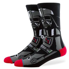 These Star Wars Socks by Stance feature Darth Vader on a pair of mens socks. Vader Star Wars, Darth Vader, Star Trek, Crazy Socks, Cool Socks, Awesome Socks, Moda Men, Kids Socks, Men's Socks