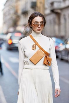 NYC Girls Are About to Be All Over This New Belt-Bag Trend Utility Belt Bag Trend Street Style<br> See and shop the utility belt bags for spring that our editor is loving right now. Trend Fashion, Fashion Week, Milan Fashion, Style Fashion, Fashion Belts, Runway Fashion, Women's Fashion, Womens Fashion Online, Latest Fashion For Women