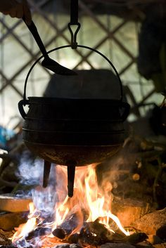 Once Snow took over the kitchen the cauldron became an exclusive dinner tool rather than a dirty laundry catch-all.