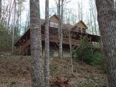 """""""Fireman's Dream"""" Beautiful Log Cabin w/ Hot Tub. Avail July 13-19 only; 5 br can sleep up to 12 people"""