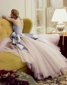 Model Jean Patchett, ballgown by Jean Dessès, photographer Norman Parkinson, Vogue, April (thanks Melbourne board) Vintage Glamour, Vintage Beauty, Vintage Outfits, Vintage Clothing, Vintage Dresses, Moda Vintage, Vintage Mode, Ball Dresses, Ball Gowns