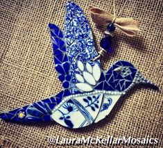 Mosaic Animals, Mosaic Birds, Mosaic Diy, Mosaic Crafts, Sea Glass Art, Mosaic Glass, Garden Mosaics, Mosaic Art Projects, Mosaic Pictures