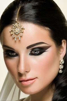 Make-Up & Hair: Kristina Vertyagina Model: Zina Mednis Beauty Art, Beauty Make Up, Beauty Hacks, Hair Beauty, Beauty Ideas, Bridal Makeup Looks, Indian Bridal Makeup, Wedding Makeup, Asian Bridal