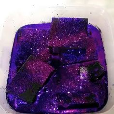 Possibly the most satisfying thing you'll see today Galaxy slime so beautiful And so satisfying I love it! The way it turns to liquid! Satisfying Pictures, Oddly Satisfying Videos, Satisfying Things, Slime Craft, Diy Slime, Borax Slime, Homemade Slime, Funny Disney Facts, Slime Vids