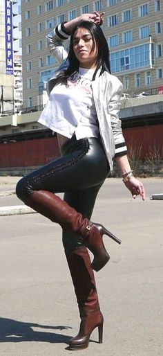 My nightly dream Brown Boots Outfit, Winter Boots Outfits, Thigh High Boots, High Heel Boots, Knee Boots, Sexy Boots, Cool Boots, Leather Leggings, Leather Boots